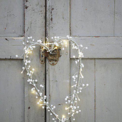 white-heart-on-dooe.jpg